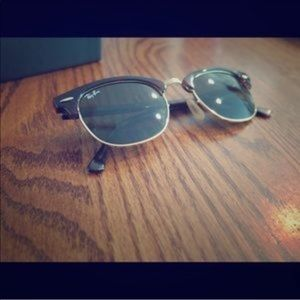 Ray-Ban Clubmaster Classic (small size)